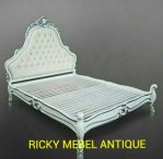 Tempat Tidur Rococo