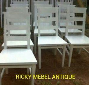 Kursi cat duco putih
